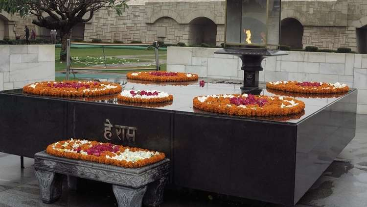 Gandhinin Anıt Mezarı Rajghat