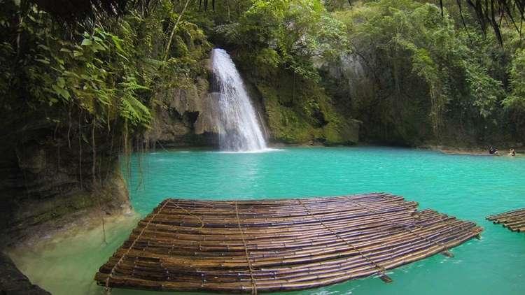 Kawasan Şelalesi Filipinler