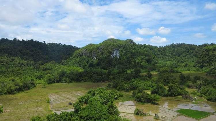 Puerto Princesa Ugong Rock