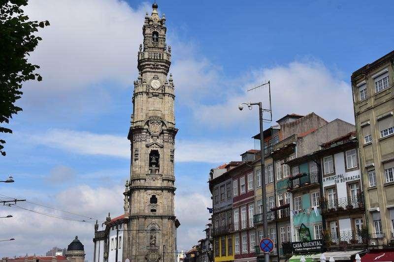 Torre Dos Clerigos Kulesi
